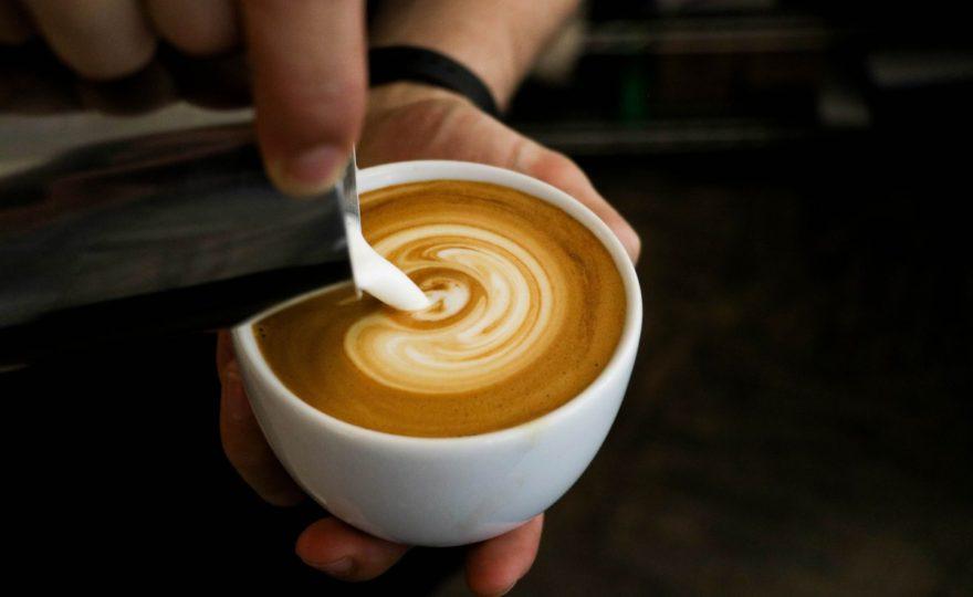 Zdravé latté s chuťou škorice