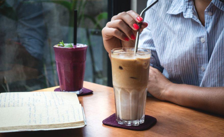 Osviežujúci životabudič v letnom sparne? Mrazená korenená káva